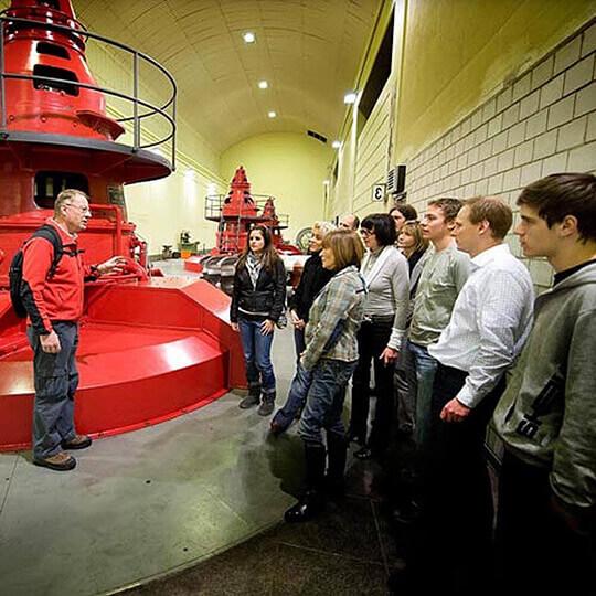 Vorschaubild zu Innertkirchen - Besuch im Kraftwerk