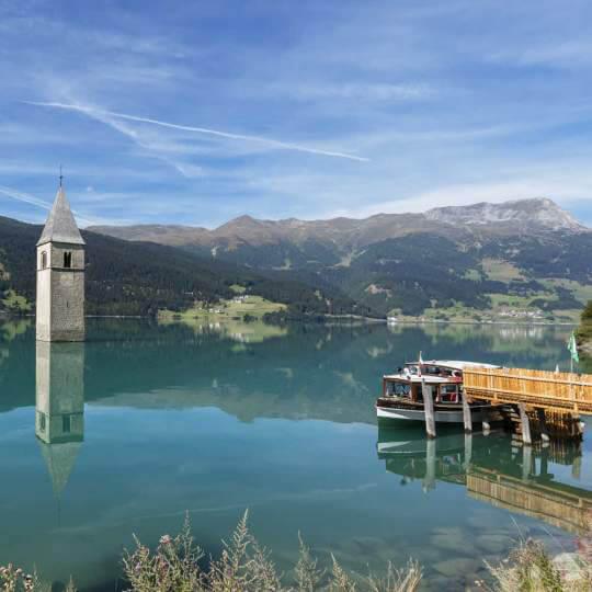 Der Kirchturm von Graun im Reschensee 10