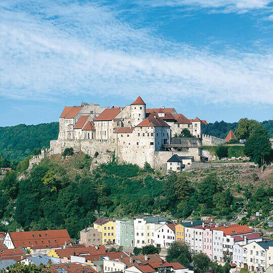 Vorschaubild zu In Burghausen die längste Burganlage der Welt erkunden