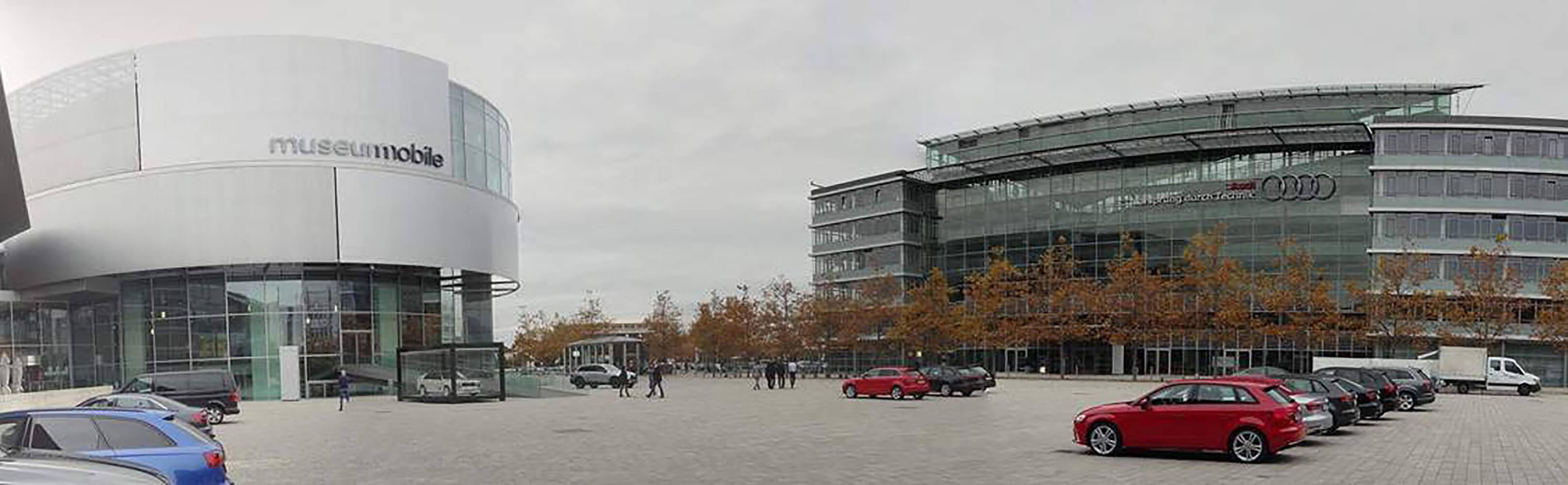 Audi Forum mit dem Audi museum mobile in Ingolstadt 1