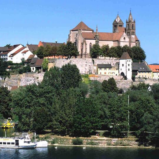 Stadt Breisach im herrlichen Sonnengebiet Breisgau