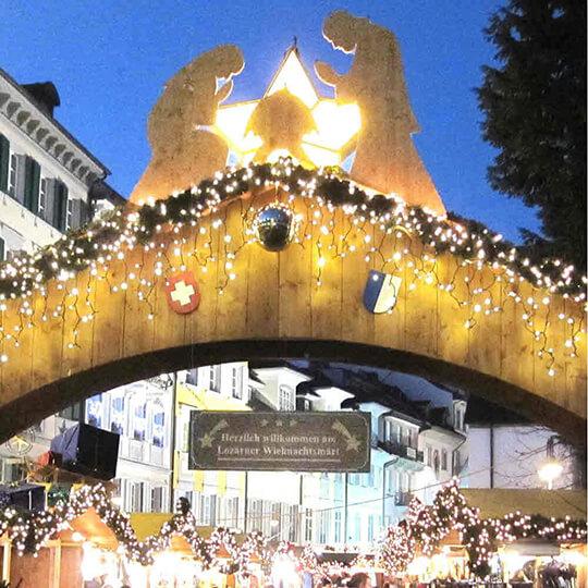 """Vorschaubild zu Der """"Lozärner Wiehnachtsmärt"""" auf dem Franziskanerplatz"""