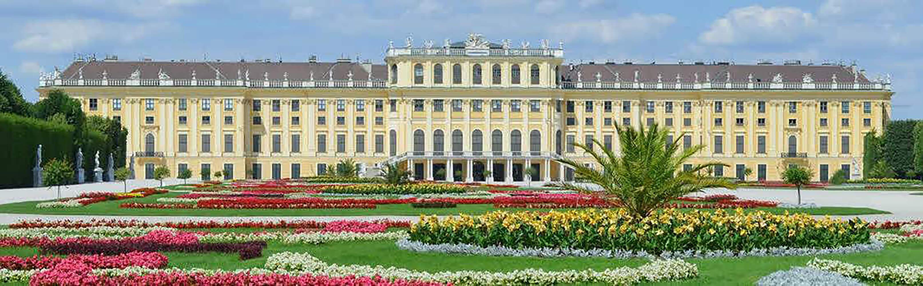 Schloss und Schlosspark Schönbrunn in Wien 1