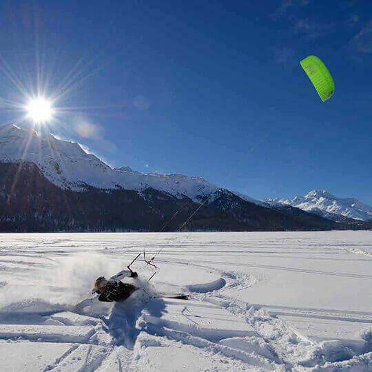 Vorschaubild zu Snowkiten auf dem Silvaplanersee
