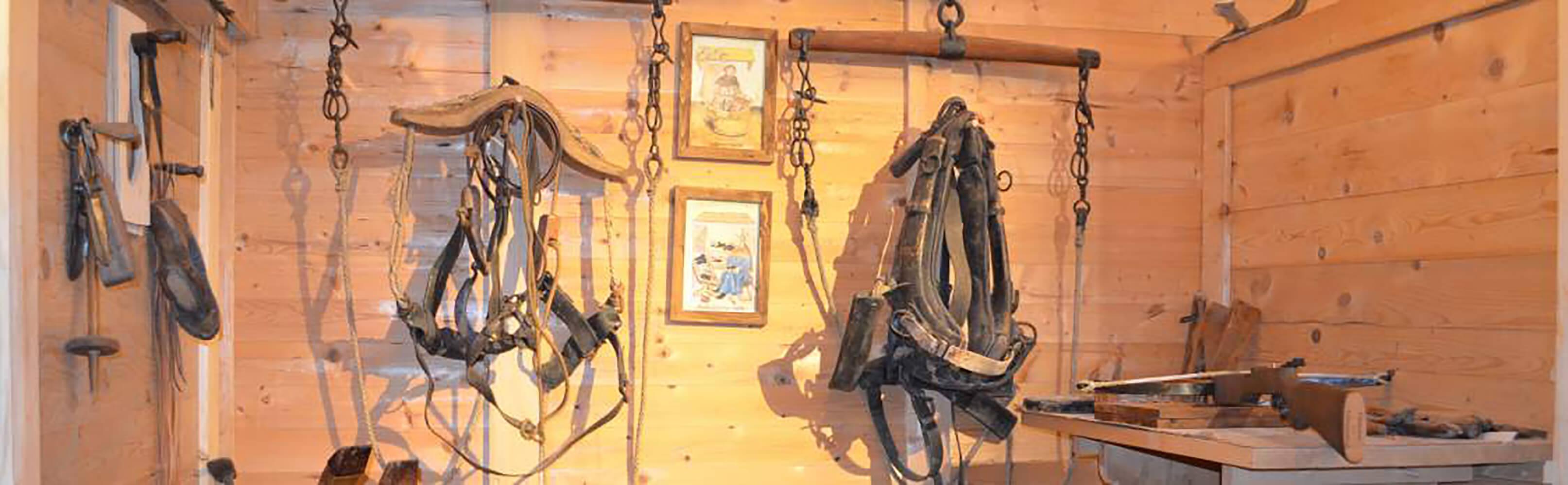 Rundgang durch die historische Armbrustwerkstatt 1