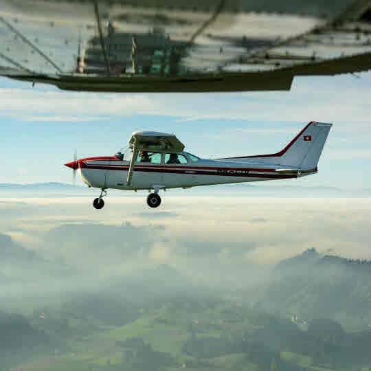 Rundflüge und Fallschirmspringen 10