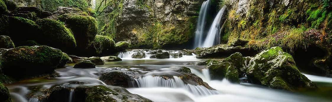 Wasserfälle und Kaskaden