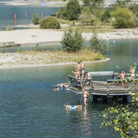 Vorschaubild zu Badeinseln Lorelei Urnersee - Reussdelta
