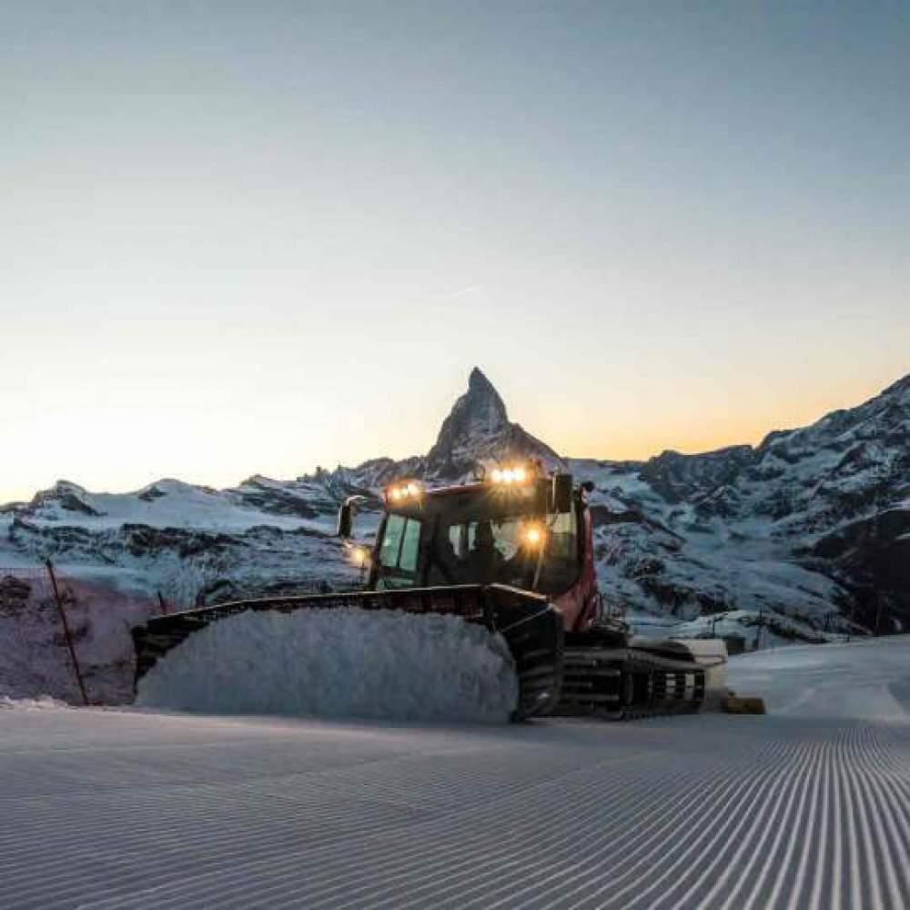 Vorschaubild zu Pistenbully Fahrt Zermatt