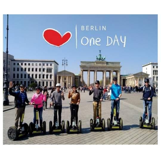 Vorschaubild zu Segway Tour Berlin: Mauer - West - Ost