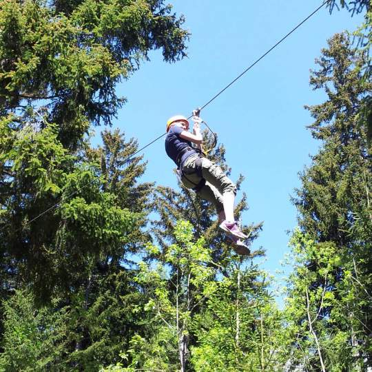 Vorschaubild zu Abenteuerpark Adrenatur - Fun Forest in Crans-Montana