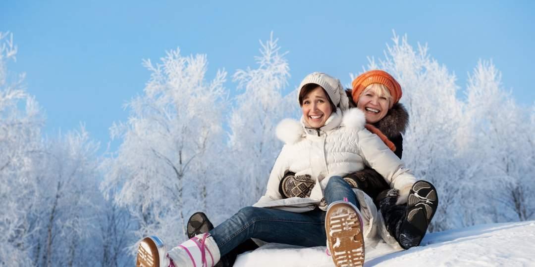Schlitteln – der klassische Winterspass für jung und alt