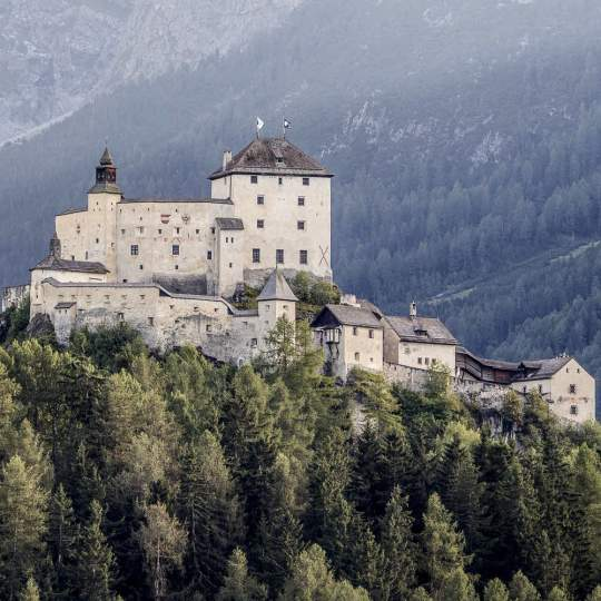 Schloss Tarasp im Unterengadin 10