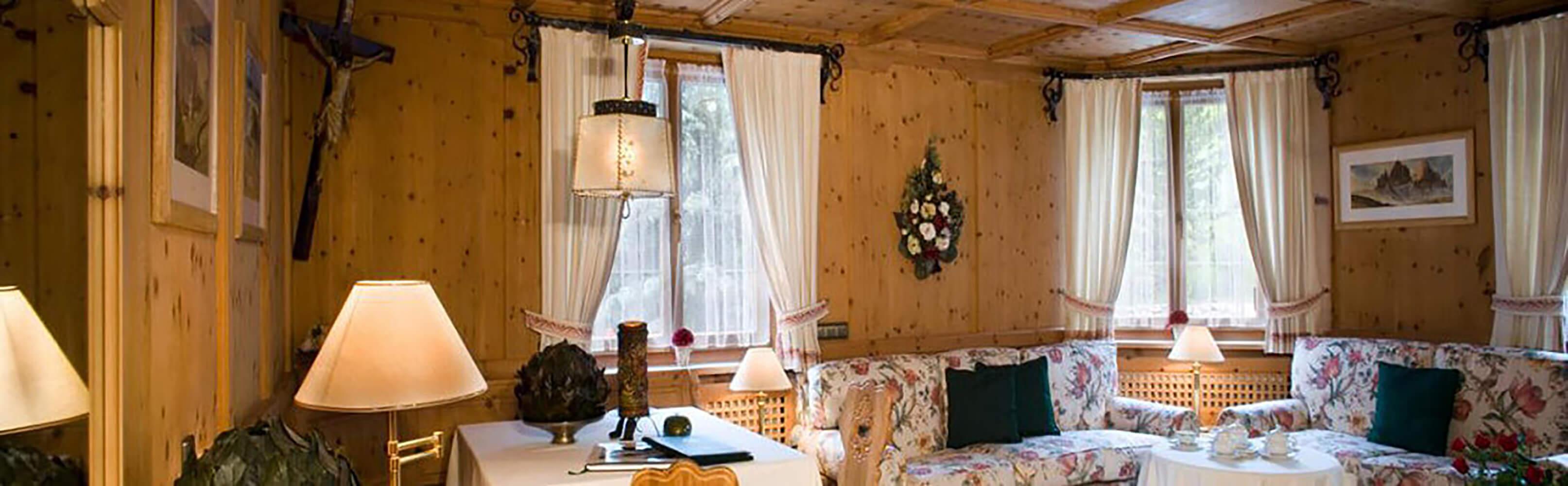 Hotel Sassongher ***** 1
