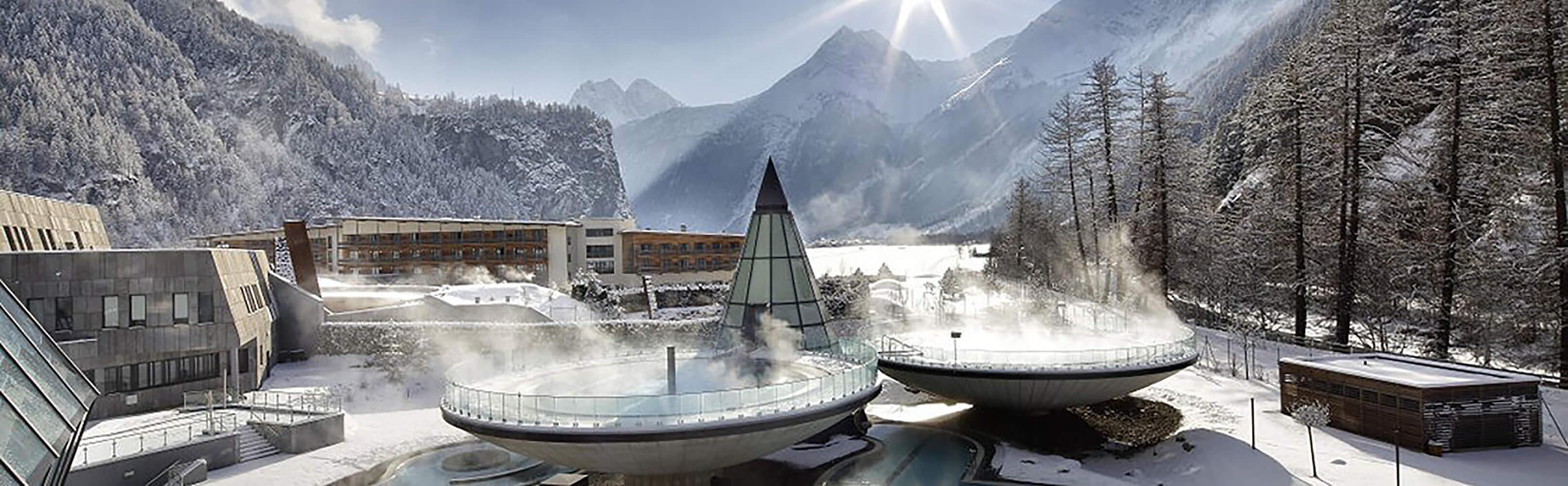 AQUA DOME - Tirol Therme Längenfeld: Alpenwellness vor imposanter Bergkulisse  1