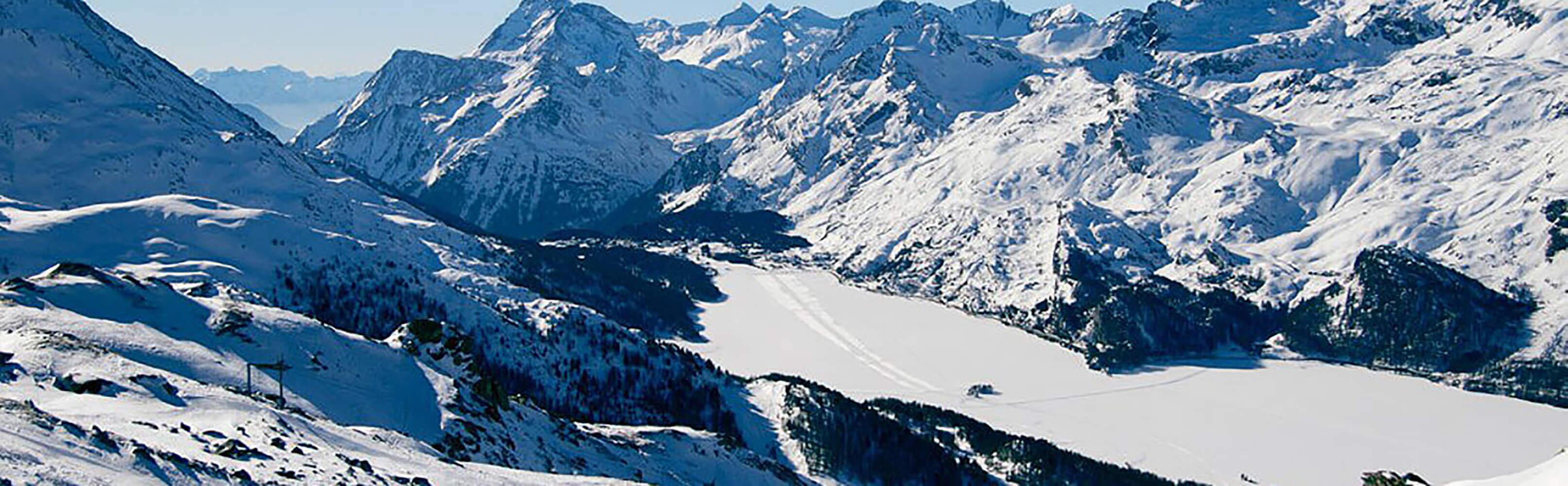 Nira Alpina Hotel im Engadiner Ort Surlej 1