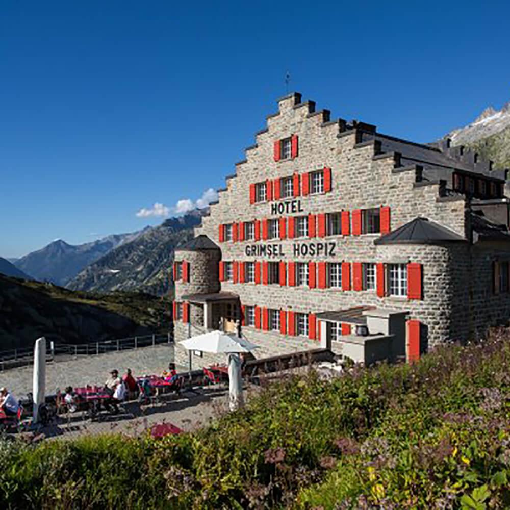 Grimsel Hospiz - Historisches Alpinhotel majestätisch über dem Grimselstausee