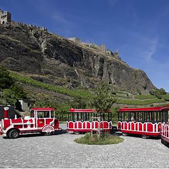 Vorschaubild zu Der P'tit Sédunois, der touristische Zug von Sion