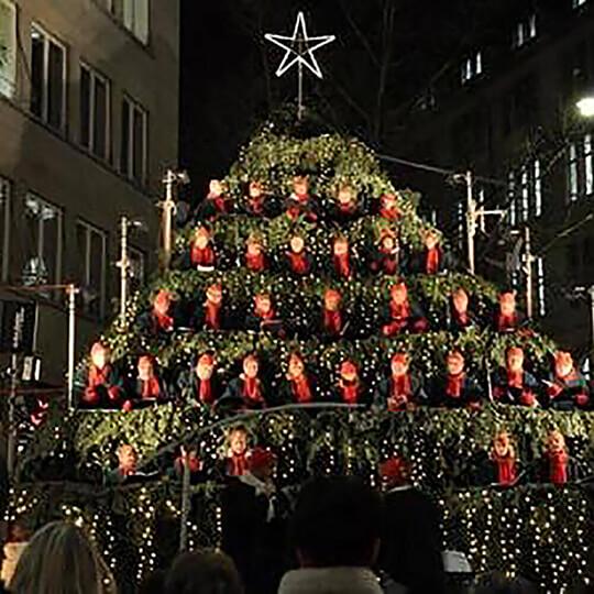 Vorschaubild zu The Singing Christmas Tree und Wiehnachtsmärt Zürich