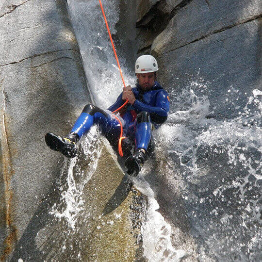 Canyoning & Rafting Tessin Ticino - SwissChallenge GmbH 10