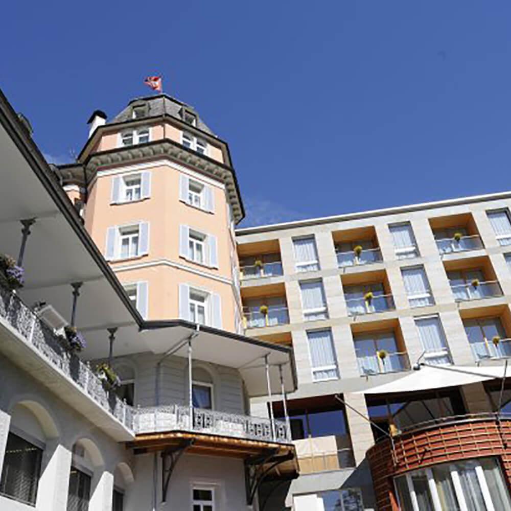 Allegra und herzlich willkommen im Hotel Belvédère Scuol