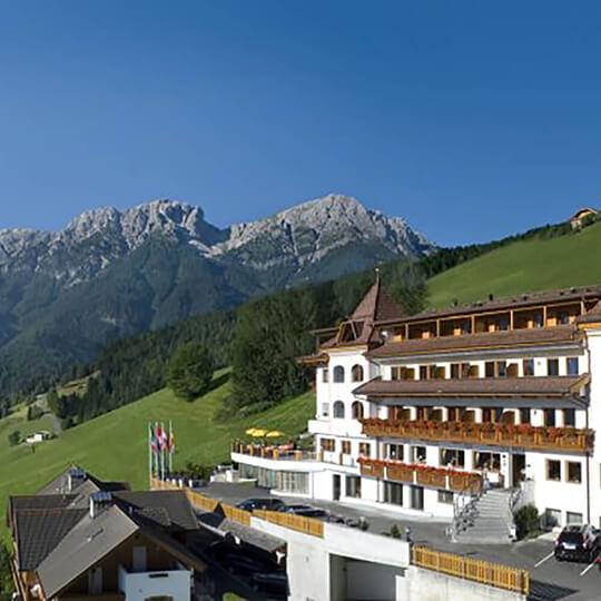Vorschaubild zu Ihr Wellnesshotel in den Dolomiten von Südtirol